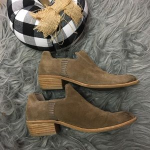 Dolce Vita Suede Booties 6.5